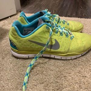 Nike Free 8.5 Shoes